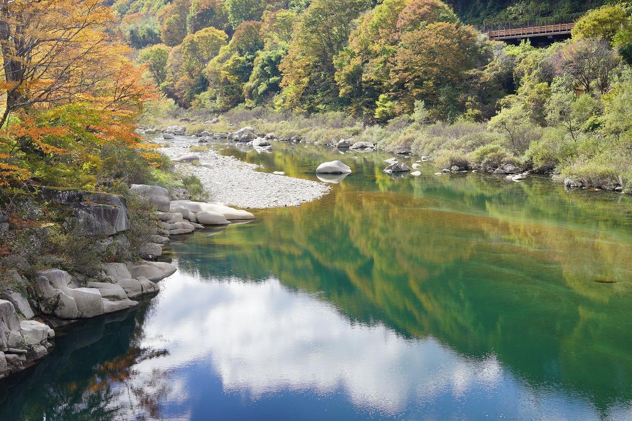 15水面にも秋
